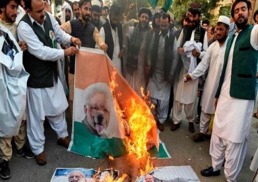 الرئيس الباكستاني يحذر الهند من اللعب بالنار في كشمير