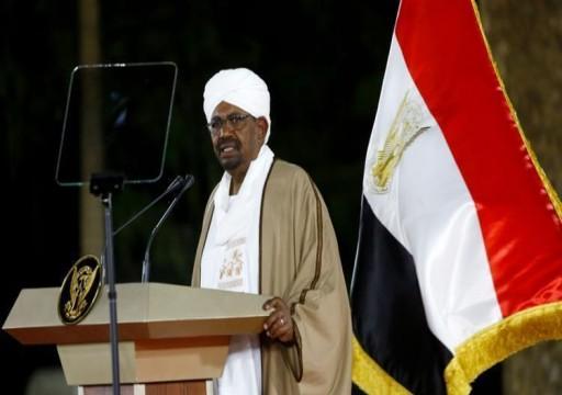 زعيم حزب الأمة يدعو الرئيس السوداني للتنحي