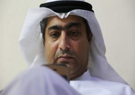 أبوظبي تزعم أن أحمد منصور غير مضرب عن الطعام