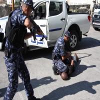غزة.. قتيلان خلال اعتقال المشتبه بتنفيذه الهجوم على موكب الحمد الله
