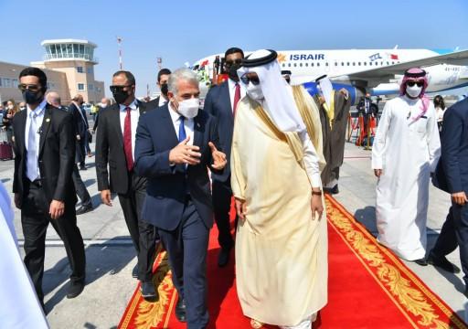 وزير خارجة الاحتلال يصل البحرين لافتتاح سفارة بلاده في المنامة