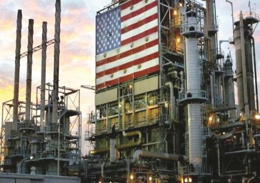 النفط ينتعش بعد انخفاض مفاجئ في المخزونات الأمريكية