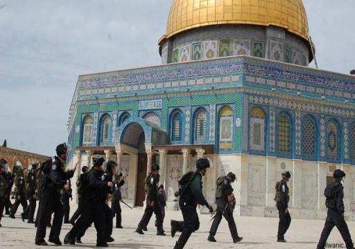 دعوات مقدسية للاعتصام عقب إغلاق إسرائيل أحد أبواب المسجد الأقصى