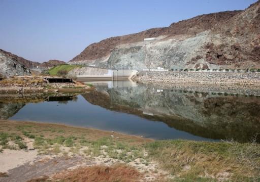 سدود الإمارات تخزن 512.244 متراً مكعباً من مياه الأمطار