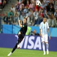 كرواتيا تسحق الأرجنتين بثلاثية وتبلغ دور 16 في كأس العالم