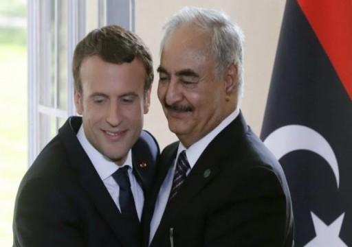 ماكرون يجري اتصالا بمحمد بن زايد.. ولهذا تدعم باريس أبوظبي في ليبيا!