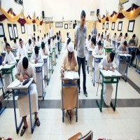 تربويون وأهالي طلبة يطالبون التربية بالإعلان عن التقويم الدراسي الجديد