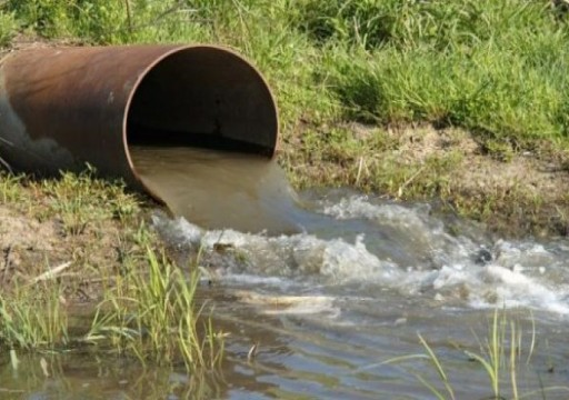 إصابة نحو ألف فلسطيني بتسمم مياه ملوثة من مستوطنات إسرائيلية