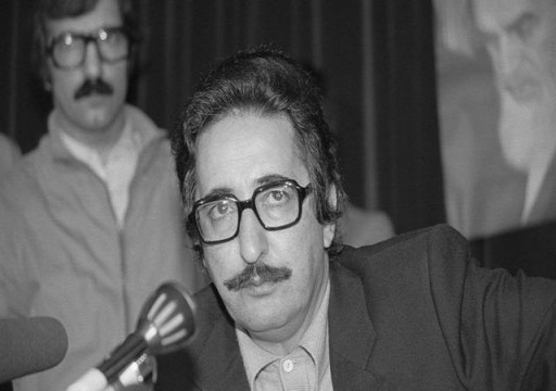 وفاة أول رئيس لجمهورية إيران في منفاه بفرنسا