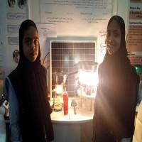 الفجيرة.. طالبتان تبتكران جهازاً لطهي الأطعمة باستخدام الطاقة الشمسية