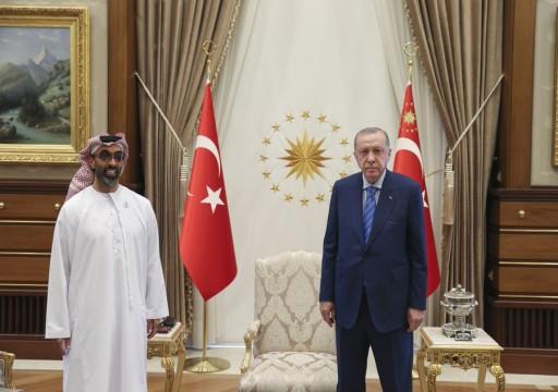 """بعد لقاء أردوغان وطحنون بن زايد.. """"القابضة"""" تبحث عن استثمارات واسعة في تركيا"""