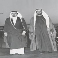 قصيدتان «للتاريخ».. بين الشيخ خليفة بن حمد والشيخ زايد