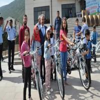 بلدية تركية تكافئ مئات الأطفال المواظبين على الفجر بالمسجد