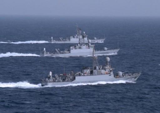 مناورات عسكرية سعودية أمريكية بمياه الخليج