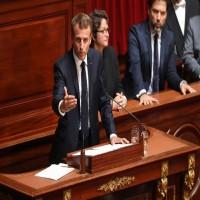 ماكرون يعلن عن قواعد لتنظيم ممارسة الإسلام في فرنسا