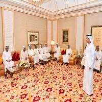 محمد بن راشد يطلع على حزمة من المبادرات لتحفيز النمو الاقتصادي