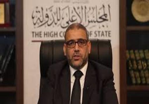 مسؤول ليبي يتهم أبوظبي بدعم حفتر عسكريا وسياسيا.. وغارديان تكشف المزيد