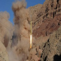 بعد هجوم صعدة.. الحوثيون يعلنون استهدافهم قاعدة عسكرية سعودية