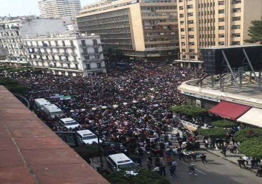 واشنطن بوست تتنبأ بربيع عربي جديد على وقع احتجاجات السودان والجزائر