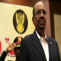 الرئيس السوداني يحل الحكومة ويعين رئيسًا جديدًا للوزراء