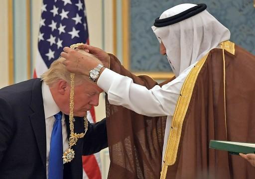 """تقرير: الأسرة السعودية الحاكمة أهدت ترامب فراءً """"مزيفاً"""" لحيوانات مهددة بالانقراض"""