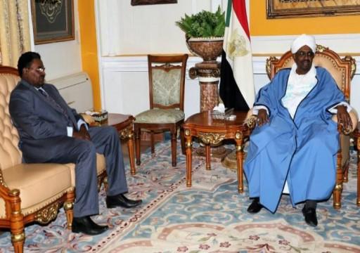 موقع بريطاني: مدير مخابرات السودان التقى نظيره الإسرائيلي ضمن مؤامرة إماراتية