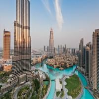 كاتب بريطاني يذم السياحة في دبي بسبب قمع الناشطين والصحافة