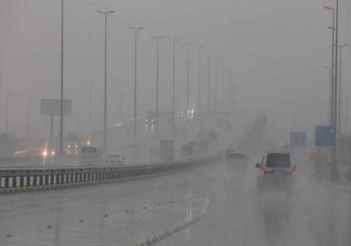 تعليق الملاحة بمطار الكويت جراء سوء حالة الطقس