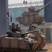 ميدل إيست آي يتحدث عن دور الأجانب في قواتنا المسلحة