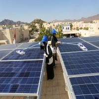«الألواح الشمسية» تحوّل فواتير الكهرباء والماء في حتا إلى رمزية