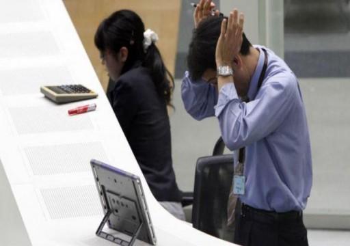 دراسة: الرجال أكثر حساسية من النساء في العمل