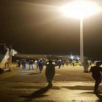 محتجون عراقيون يقتحمون مطار النجف وتوقف حركة الطيران
