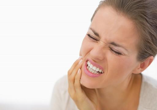 أفضل الطرق للتعامل مع ألم الأسنان.. تعرف عليها