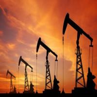 انخفاض أسعار النفط وبرنت يحتفظ بالمكاسب