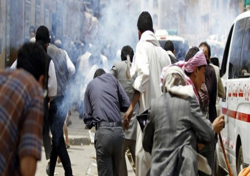 وزير يمني: الحكومة الشرعية تواجه الإمارات في عدن