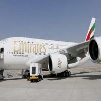 """وفاة مضيفة """"الإمارات"""" إثر سقوطها من طائرتها في ظروف غامضة"""