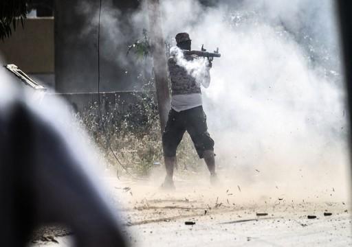 حفتر يهدد جنوده: من يتراجع سينال طلقة بالرأس