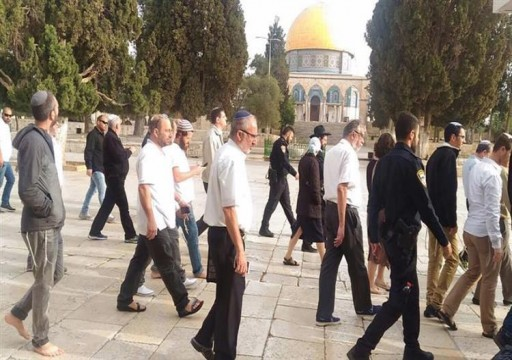 وزير إسرائيلي وعشرات المستوطنين يقتحمون الأقصى