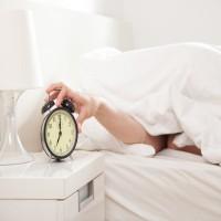 دراسة: بدء العمل قبل العاشرة صباحاً يزيد الضغوط على الموظفين