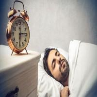 كم ساعة من النوم تحتاج خلال شهر رمضان؟