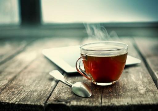 أيهما أفضل في الطقس الحار الشاي الساخن أم البارد؟