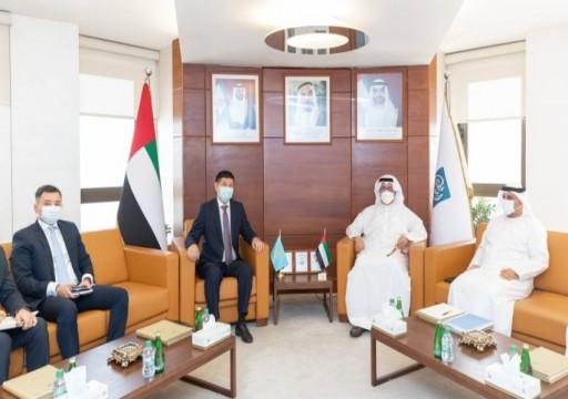 """""""غرفة أبوظبي"""" تبحث تعزيز التعاون التجاري مع كازاخستان"""