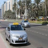 «طرق دبي» توضح حقيقة فيديو السائق الباكي من تراكم المخالفات