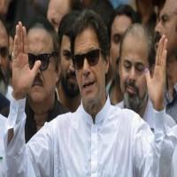 محمد بن زايد يجري اتصالا برئيس وزراء باكستان الجديد