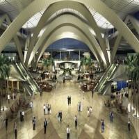 الحوثيون يعلنون شنّ غارات على مطار أبوظبي  وإدارة المطار تعلن وقوع حادث