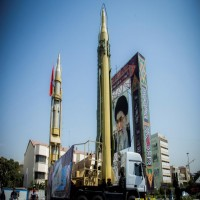 الحرس الثوري الإيراني يهدد أبوظبي وتل أبيب بالصواريخ!