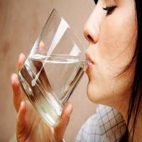 6 فوائد لشرب الماء الدافئ قبل الإفطار.. منها إنقاص الوزن