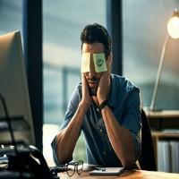 كيف تتغلب على النعاس أثناء اجتماعات العمل أو المحاضرات؟