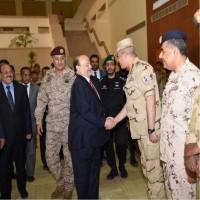 الرئيس اليمني ونائبه يزوران مركز قيادة القوات المشتركة للتحالف
