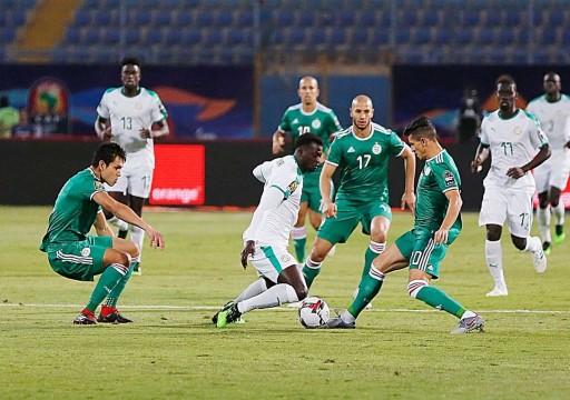 الجزائر تسعى لعبور غينيا في ثمن النهائي من البطولة الإفريقية